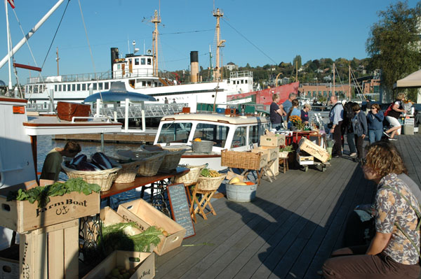 Farmboat Floating Market at Lake Union Park Seattle